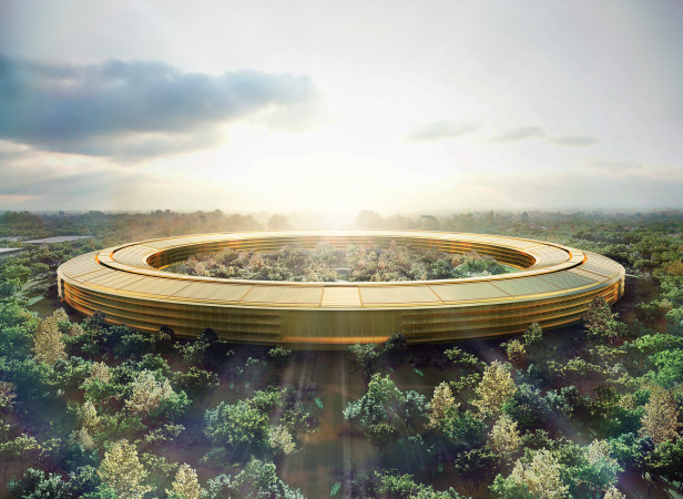 Apple_Park_Gold_02.jpg